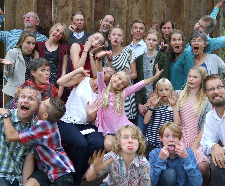 2015-11 Kingfisher's farm community